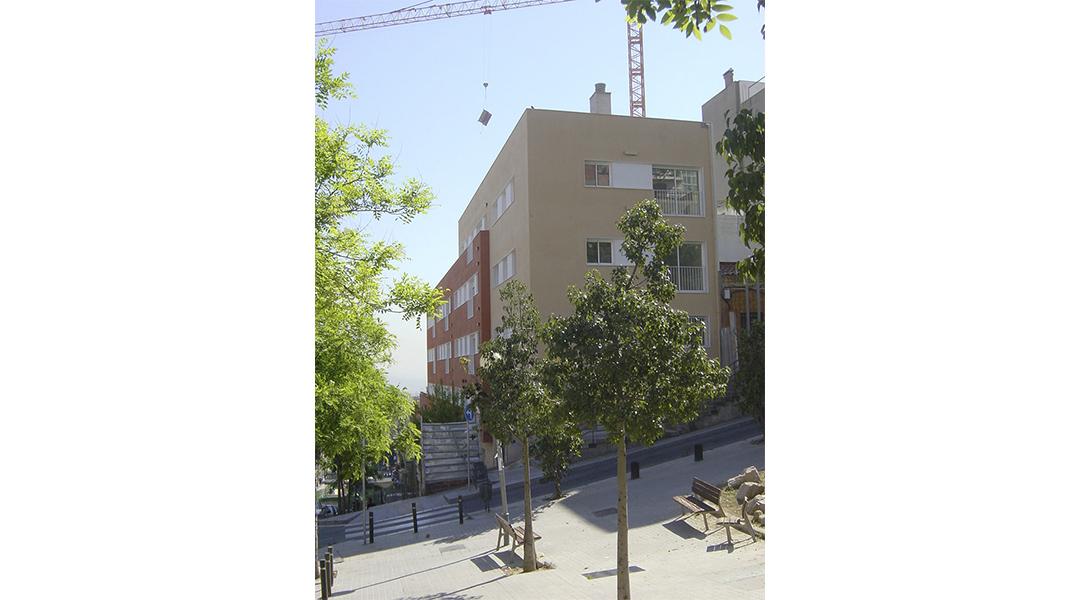 viviendas-calle-llobregos-en-barcelona-02