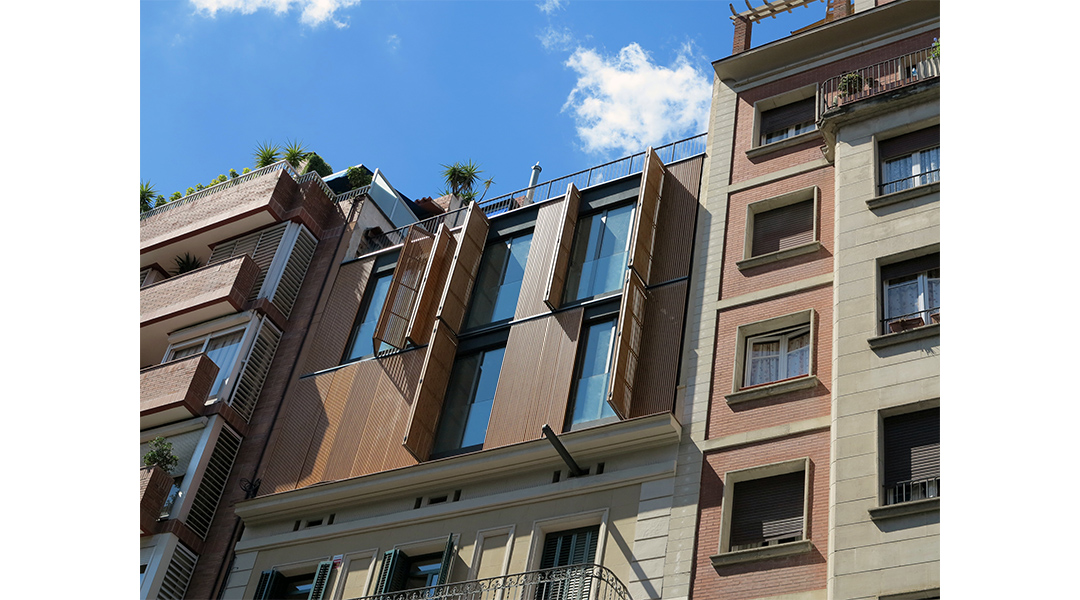 6-nuevas-viviendas-en-calle-marina-285-01