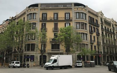 The over-elevation works on 80 Casp Street, Barcelona, have been completed